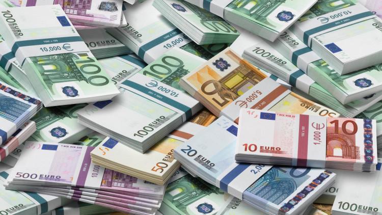 Tegenwoordig zijn er behoorlijk wat kredieten beschikbaar voor particulieren en zakelijke klanten, maar wat zijn de voordelen eigenlijk voor de bank?
